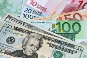 Курс долару та євро в Україні